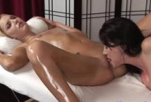 Sexy girls Rayveness and Taylor Tilder fingering the cunt-Official Website Massage Parlor
