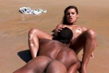 Black dude eats her pussy and fucks her on the beach-Official Website Dagfstube