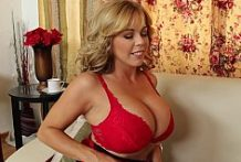 Big Titted Cougar Amber Lynn Bach-Official Website Naughty America