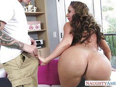 Richelle Ryan Action-OW Naughty America