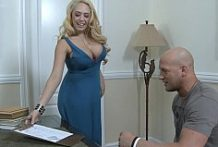 Sucking The Married Neighbor's Cock-OW Naughty America
