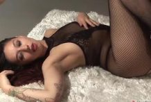Redhead babe fingers her pussy-OW Made In Canada