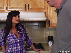 Slutty Lisa Ann seduced her daughter's boyfriend-OW Naughty America