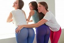 Three Girls Wearing Pantyhose On Their Tight Asses-OW Reality Kings