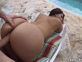 Sexy babe gets fucked by the pool-OW Bangbros