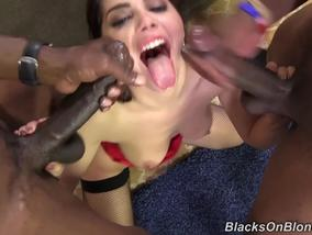 Italian Babe Valentina Nappi Work With Two Blacks