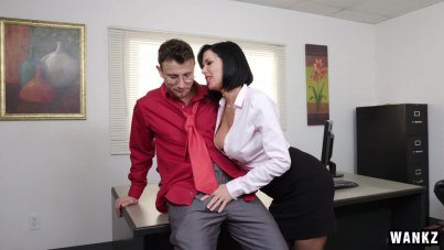 Fisting In Office By Sexy Secretary Veronica Avluv
