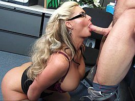 Secretar MILF Phoenix Marie Gives Huge Cock