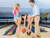 Bowling Fuck With Two Latina Hanna Montada And Julia De Lucia