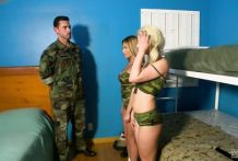 2621 Soldier And Two Blonde Friends Makes Army Porn