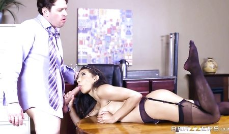 2659 Brunette Secretary Gets Fuck In Office With Her Boss