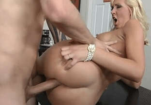 2848 Big Tited Blonde Jessica Lynn Loves Porn At Work