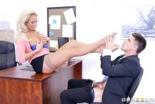 2960 Office Porn Young Worker Bruce Venture Gets Fuck Blonde Secretary