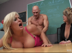 3095 Horny Director Johnny Sins Fatty College Girl Julie Cash
