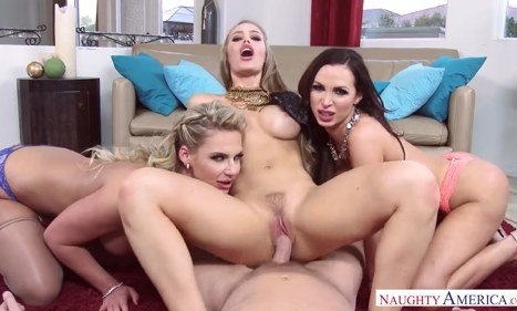 29-Exclusive- Nicole Aniston, Nikki Benz,Phoenix Marie And Best Show