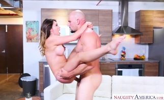3726 Bald Guy Gets Fuck Quinn Wilde's Pussy After Titjob