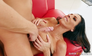 3735 Brunette Mom Veronica Rayne And Cum On Her Face