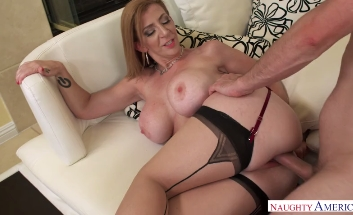 3734 Only Big Cock Can Make Her Pussy Happy