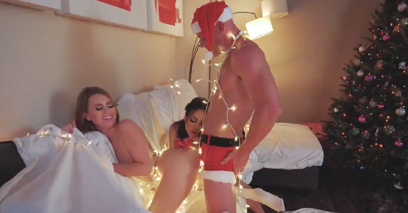 221-Exclusive-2018 Christmas Porn Parody
