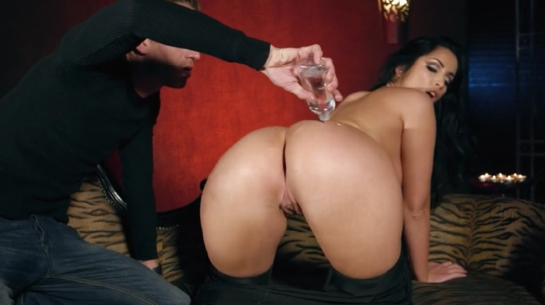 62 Make Her Booty Oiled And Fuck