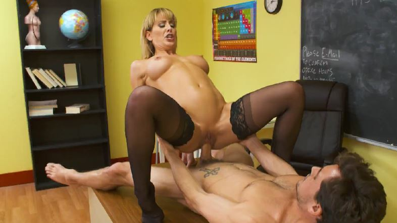 3982 My Blonde Teacher Gives Good Fuck