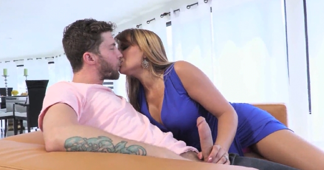 3971 Short Latina Sex Story By Mercedes Carrera