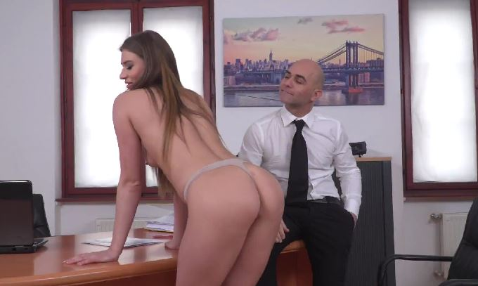 300-Exclusive – Office Boss Get Fuck Sarah Sultry