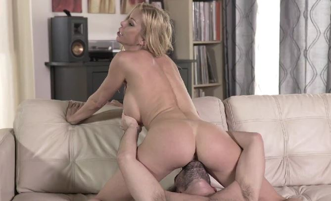 367-Exclusive – Best Friend's Hot Mommy Alexis Fawx