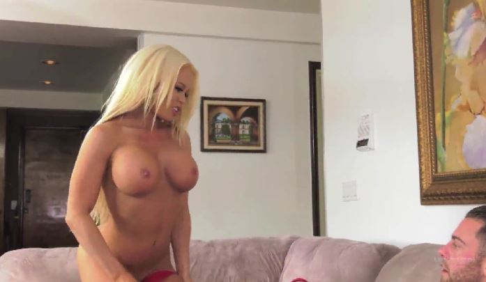 4061 She Has A Deal About Soft Fucking Nikki Delano