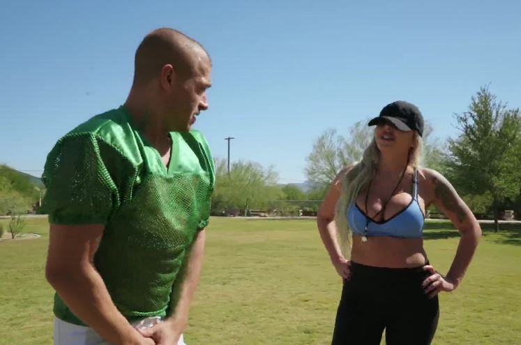 4187 Fuck Blonde's Wet Pussy After Workout