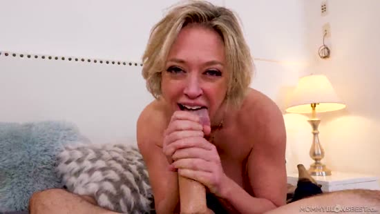 611 Dutch Mommy Dee Blows Awesome
