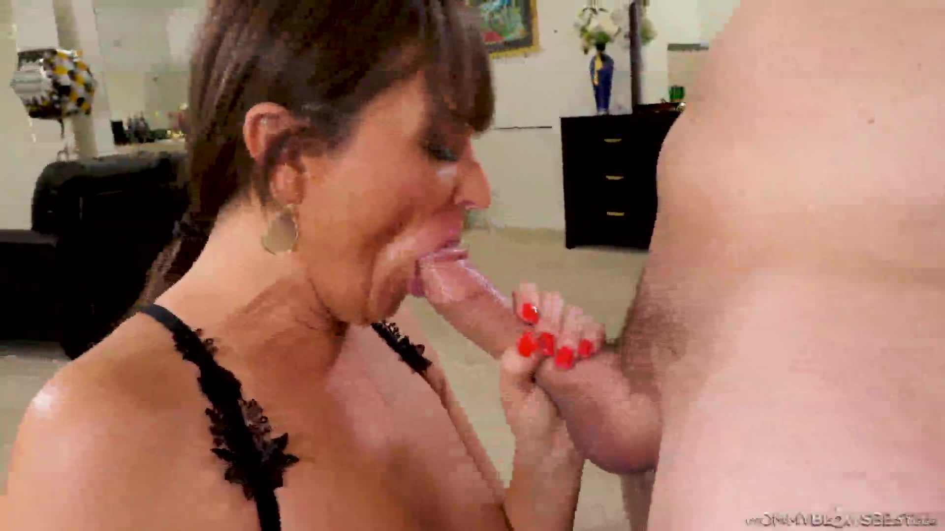 575 French Mommy Blows Perfect