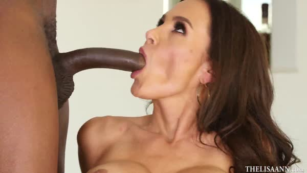 610-Exclusive – Mature American MILF Gets Black Cock