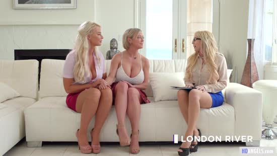 1434 Group Pussy Fingering With The Hottest American MILFs