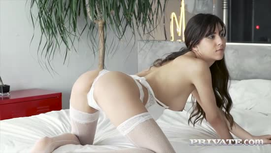 1609 Romanian Model's First Anal